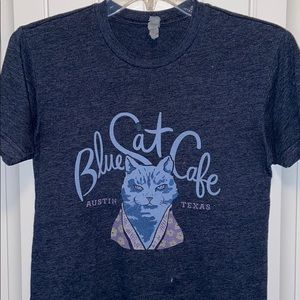 Blue cat cafe Austin Texas T-shirt xtra small